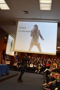 """Uwierz w siebie i wygraj pasję"""" – manifest złożony przez 460 uczniów lubuskich szkół podczas warsztatów w murach naszej Akademii, zapadnie w pamięci naszych zacnych gości_8"""